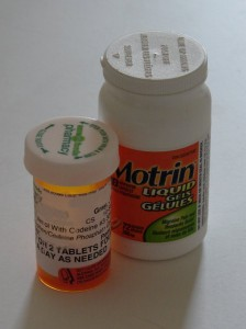Tylenol 3 and Motrin... my best friends !!!
